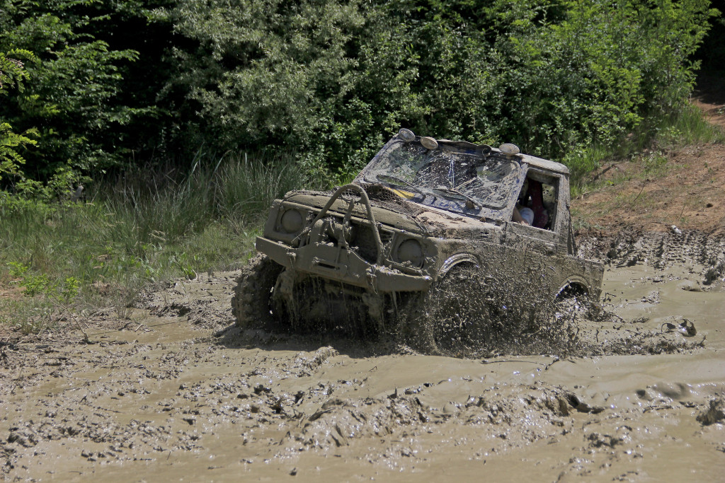 Jeep Wrangler in offroad mud